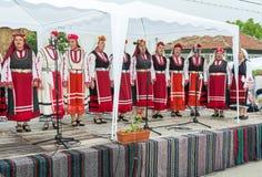 Desempenho do coro nacional do ` s das mulheres nos jogos de Nestinar em Bulgária Foto de Stock