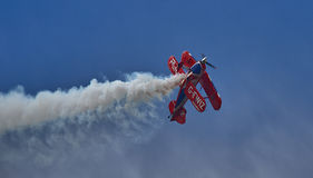 Desempenho especial do biplano de Pitts Imagens de Stock Royalty Free
