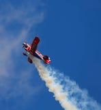Desempenho especial do biplano de Pitts Foto de Stock