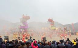 Desempenho tradicional lunar do ano novo do ` s de China Fotos de Stock Royalty Free