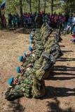 Desempenhos da demonstração de soldados das tropas transportadas por via aérea do russo em grande Victory Day Omsk no 9 de maio d Imagem de Stock