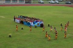 Desempenhos tailandeses da dança dos estudantes no estádio, Tailândia 19 de agosto de 2016 Fotos de Stock Royalty Free