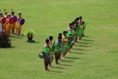 Desempenhos tailandeses da dança dos estudantes no estádio, Tailândia 19 de agosto de 2016 Imagem de Stock