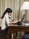Desengate de negócio - trabalhando tarde Foto de Stock