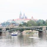 Desengate do barco em Praga fotos de stock