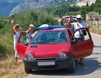 Desengate do carro com família Fotos de Stock Royalty Free