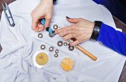 Desenhador de moda no trabalho Fotografia de Stock Royalty Free