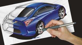 Desenhador que desenha um carro Imagens de Stock Royalty Free