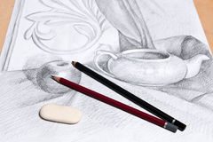 Desenho da vida imóvel pelo lápis da grafite Foto de Stock Royalty Free