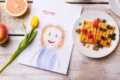 Desenho de sua mãe, tulipa amarela de Childs, waffles Foto de Stock Royalty Free