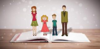 Desenho de uma família feliz no livro aberto Foto de Stock