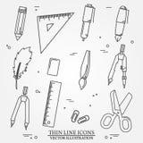 Desenho e linha fina do ícone das ferramentas da escrita para a Web e o móbil Foto de Stock