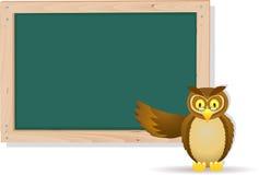 Desenhos animados da coruja com placa Foto de Stock Royalty Free