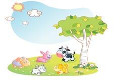 Desenhos animados dos animais de exploração agrícola com fundo do jardim Foto de Stock Royalty Free