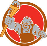 Desenhos animados irritados de Gorilla Plumber Monkey Wrench Circle Fotografia de Stock