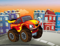 Desenhos animados rápidos fora do carro da estrada que olha como o monster truck que conduz através da cidade Imagens de Stock