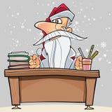 Desenhos animados Santa Claus que senta-se atrás de uma tabela com livros Foto de Stock Royalty Free