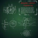 Desenhos de engenharia mecânica no quadro-negro verde Fotos de Stock Royalty Free