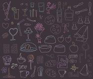 Desenhos de giz coloridos em um alimento do quadro-negro, pratos, sobremesas isoladas no grupo branco do fundo ilustração royalty free