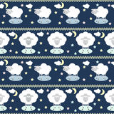 Deseniowy tło z śmieszną kreskówki księżyc, chmurami, gwiazdami i sh, Zdjęcie Stock