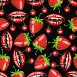 Deseniowy usta z wiśniami i truskawkami Zdjęcia Stock