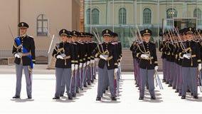 Desenvolvimento dos agentes da polícia no uniforme completo Imagens de Stock Royalty Free