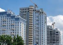 Desenvolvimento urbano Construção de uma área residencial nova foto de stock