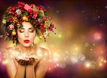Deseo de la Navidad - Fashion modelo foto de archivo libre de regalías