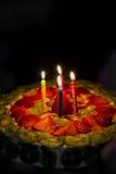 Deser, domowej roboty uroczysty jagoda tort dla urodziny Zdjęcie Stock
