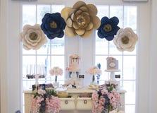 Deserowy stół przy bridal prysznic zdjęcia royalty free