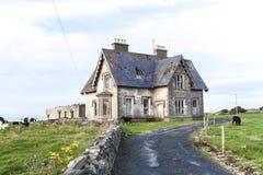 Deserted assombrou a casa 1 imagens de stock royalty free