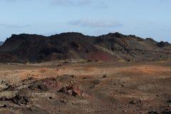 Desertera det vulkaniska landskapet för stenen i Lanzarote, kanariefågelöar Fotografering för Bildbyråer