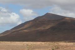 Desertera det vulkaniska landskapet för stenen i Lanzarote, kanariefågelöar Royaltyfria Bilder