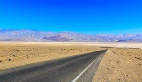 Desertera huvudvägen Royaltyfri Bild