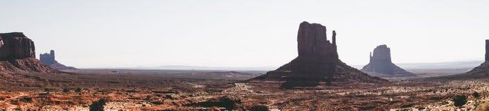 Desertera landskapet av monumentdalen, Utah Naturliga dragningar av Nordamerika Arkivfoto