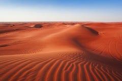 Desertera sand och dyn med klar blå himmel arkivfoto