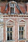 Deserterat gammalt hus Arkivfoto