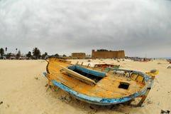 deserterat strandfartyg Arkivfoto