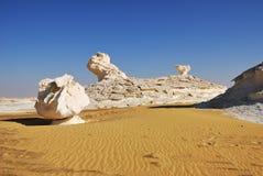 Deserto branco ocidental no por do sol, Sahara Egypt foto de stock royalty free
