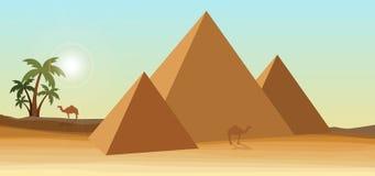 Deserto con la piramide Immagine Stock