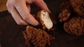 Deserto congelado Pil?es de frango frito marrons dourados fotografia de stock