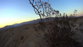 Deserto do deserto de Anza Borrego Offroad - por do sol 1 do ponto das fontes video estoque