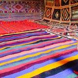 Deserto feito a mão sahara do atlas das cores marroquinas dos tapetes imagens de stock royalty free