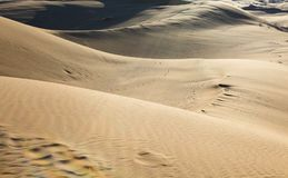DESERTO NELL'IRAN Paesaggio delle dune di sabbia vicino a KachanKashan Immagine Stock Libera da Diritti