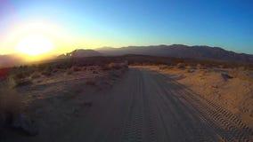 Deserto Offroad - deserto Ca de Anza Borrego do por do sol 2 do ponto das fontes video estoque