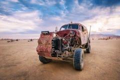 Deserto preto da rocha, EUA - òs de setembro de 2016: Homem ardente Imagem de Stock Royalty Free