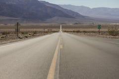 Deserto Road Foto de Stock Royalty Free