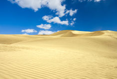 Deserto su cielo blu Fotografie Stock