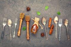Deseru tło i menu projekt Metali naczynia, miodowy dippe Zdjęcie Stock
