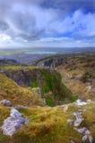 Desfiladeiro antigo da montanha da paisagem impressionante Fotos de Stock